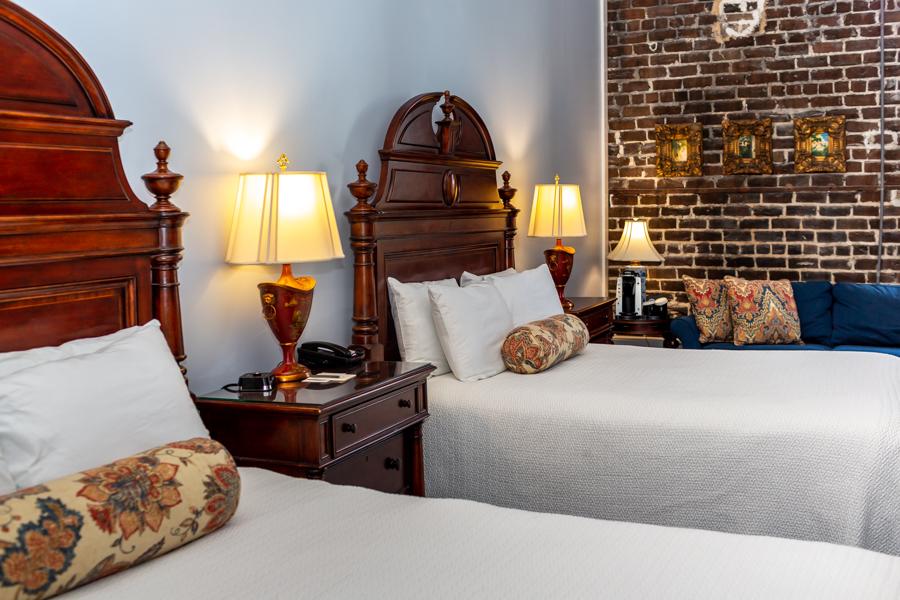 Guest room at East Bay Inn in Savannah, GA