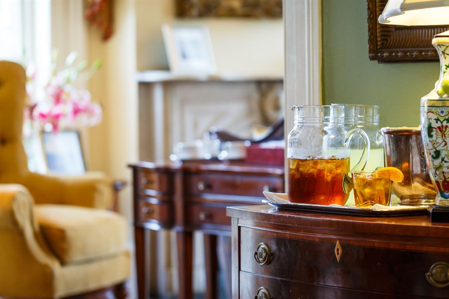 Iced Tea being served at The Gastonian Bed and Breakfast in Savannah